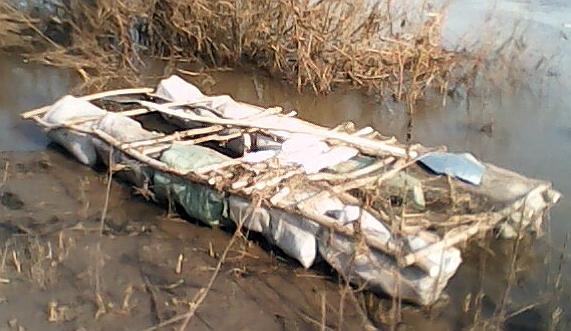 Самодельный катамаран поплавки